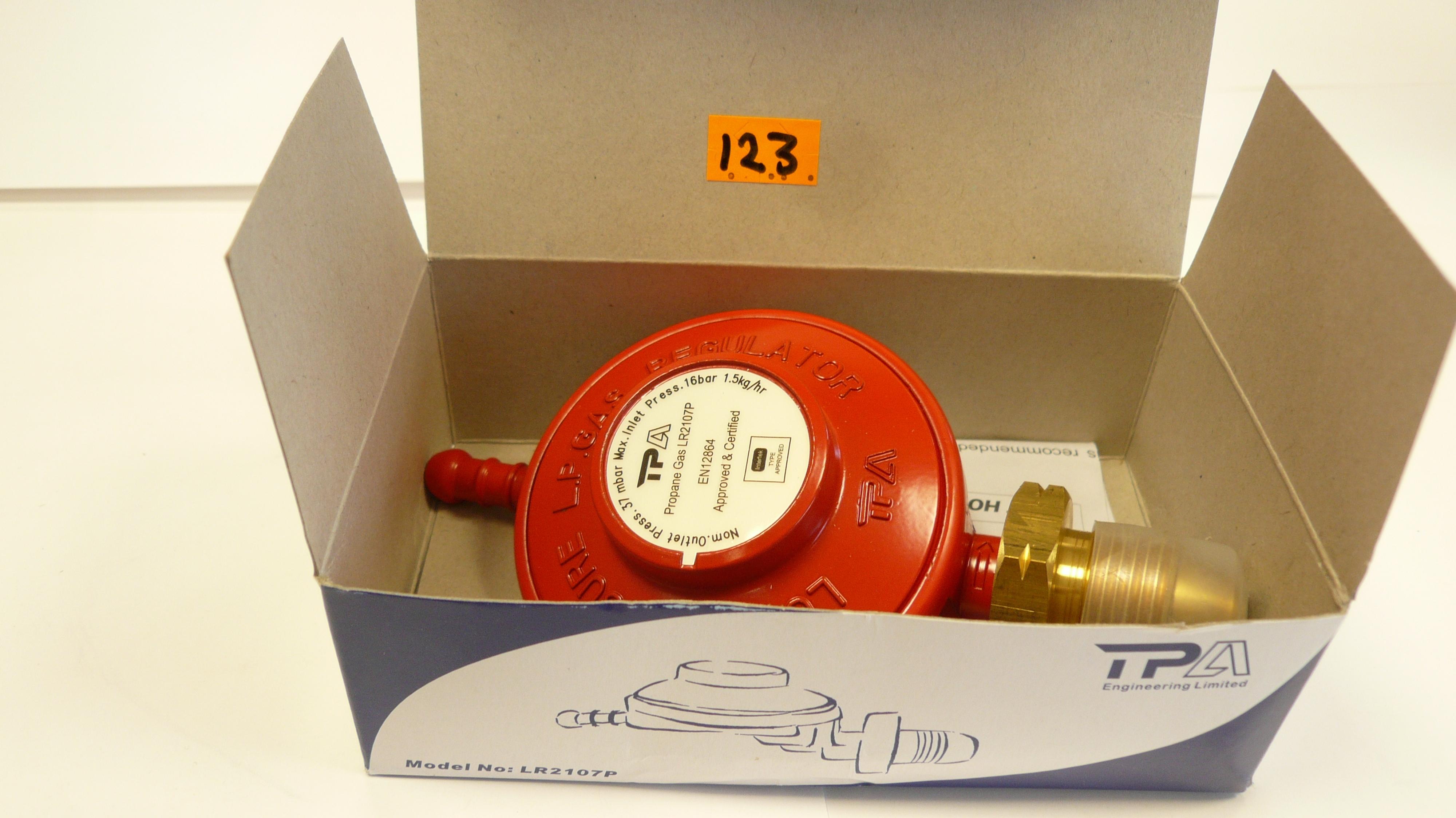 Low pressure gas regulator Propane( 3.9kg-6kg-13kg Bottles)