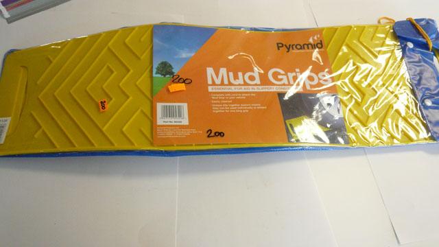 Pyramid Mud grips  ( Single)