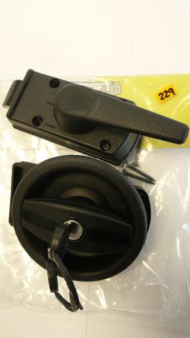 Carloc 640 door lock complete with Barrel & keys