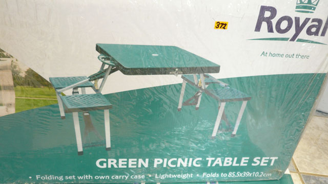 Green picnic table set (Folds flat)